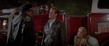 James Bond, Stacey et le capitaine