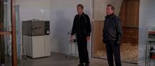 Tibbett et Bond dans le laboratoire
