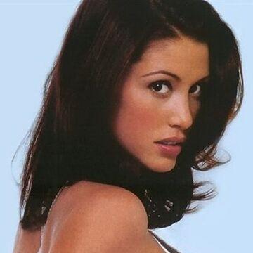 Shannon Elizabeth   James Bond Wiki   Fandom