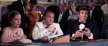 James Bond étant l'associé de Tracy