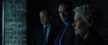 M, Mallory, Tanner et l'évaluation de Bond