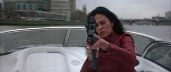 Giulietta aimed Bond