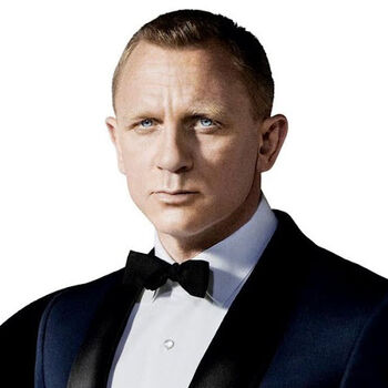 james bond daniel craig james bond wiki fandom. Black Bedroom Furniture Sets. Home Design Ideas