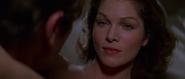 Holly et Bond faisant l'amour