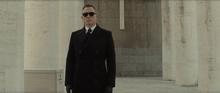 James Bond aux funérailles de Sciarra