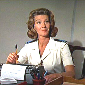 Fichier:Miss Moneypenny by Lois Maxwell.jpg