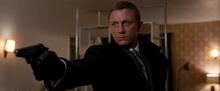James Bond confrontant Kabira