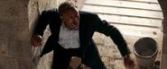 James Bond poursuivant Mitchell
