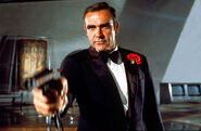 Sean-Connery-DIAMONDS-ARE-FOREVER-Gun