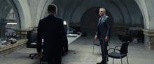 James Bond rencontrant Mallory