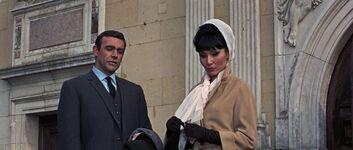 La Porte and Bond - Thunderball (1965)
