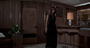 Andrea retournant auprès de Scaramanga