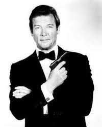 Arquivo:Roger Moore as James Bond.png