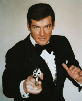 Bond - Roger Moore - Profile