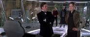 Graves et l'évasion de Bond