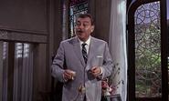 Kerim disant à Bond d'aller à son hôtel