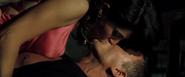James Bond et Solange faisant l'amour