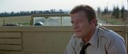 James Bond prisonnier des militaires