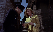 Tatiana et le policier