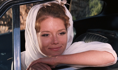 Tracy Bond (On Her Majesty's Secret Service) 1