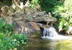 Dragon Rock Fountain (05-09)