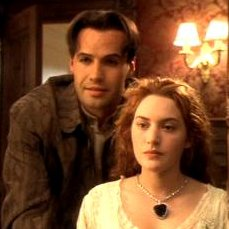 File:Kate Winslet wearing the Heart of the Ocean Diamond in the Titanic.jpg