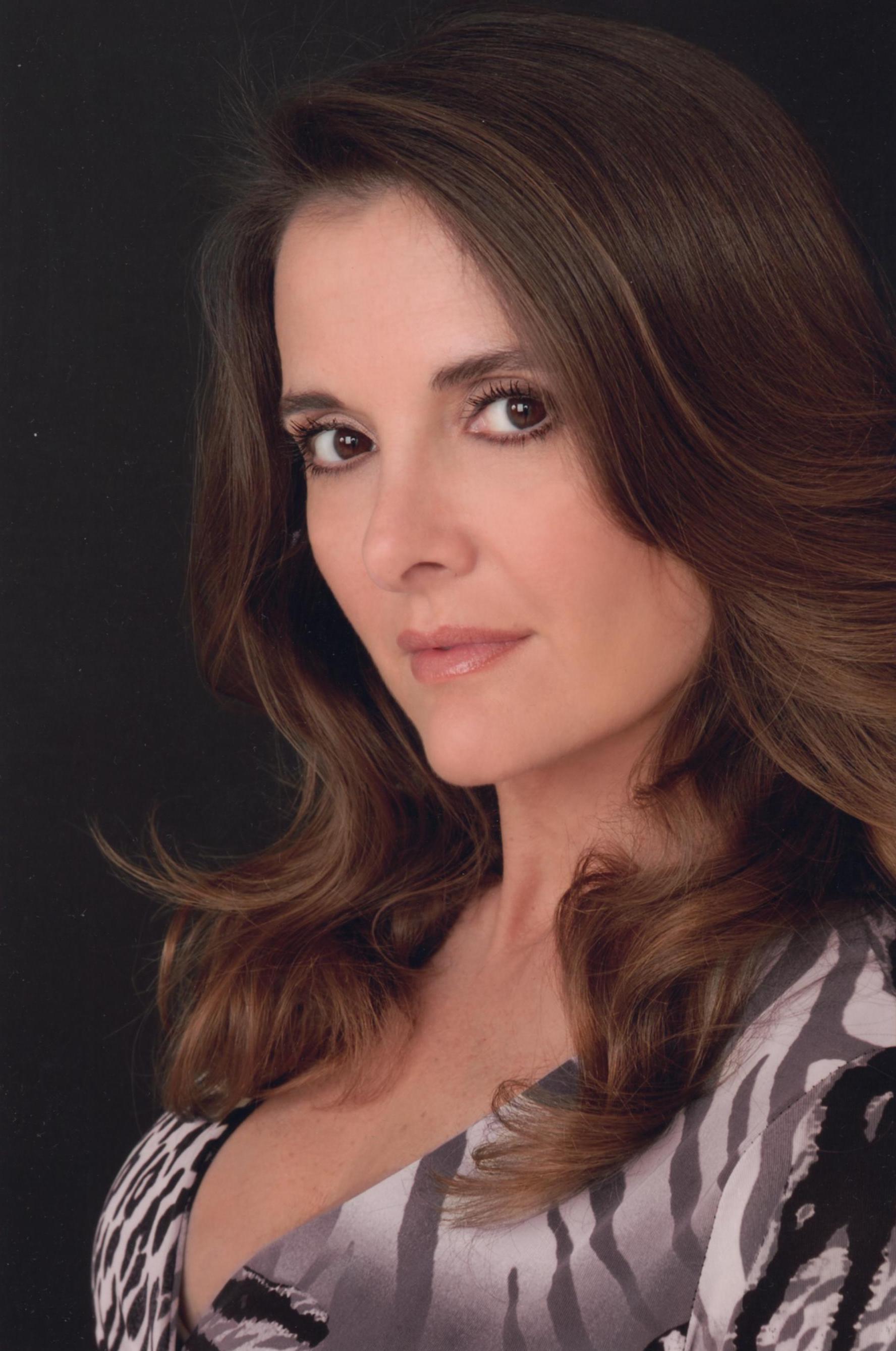 1a2628707 Fabiana Udenio | Jane the Virgin Wiki | FANDOM powered by Wikia