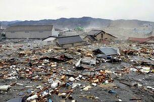 Japan-tsunami-earthquake-photo-stills-005