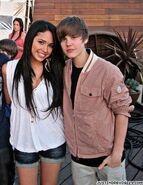 Justin-Bieber-and-Jasmine-Villegas-justin-bieber-and-jasmine-villegas-12831603-286-370