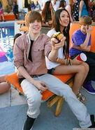 Justin-Bieber-and-Jasmine-Villegas-justin-bieber-and-jasmine-villegas-12831695-368-500