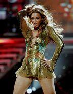 Beyonce-live