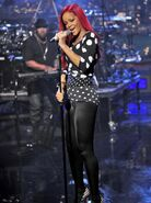 Rihanna-1290086331-view-1