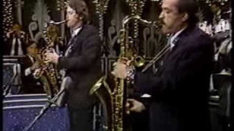 """Sax Alley"" (Live) - The Tonight Show Band featuring Pete Christlieb & Ernie Watts (1983)"