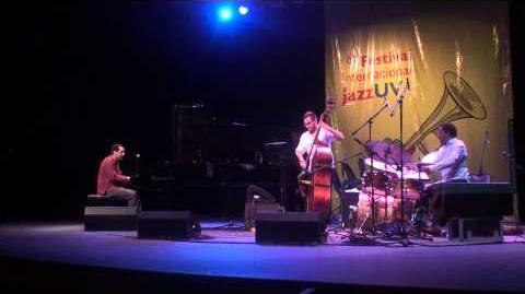 Alón Yavnai Trio