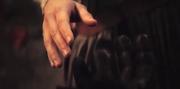Rey greift nach kylos hand