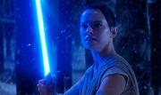 Rey mit Lichtschwert