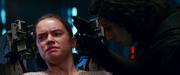 Rey wird von Kylo Ren befragt