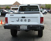 Jeep Comanche Pioneer white MD t