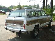 Jeep Grand Wagoneer white NC r