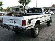 Jeep Comanche Pioneer white MD r