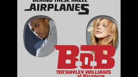 B.o.B ft. Hayley Williams vs Kelly Clarkson - Behind These Hazel Airplanes Mash Up