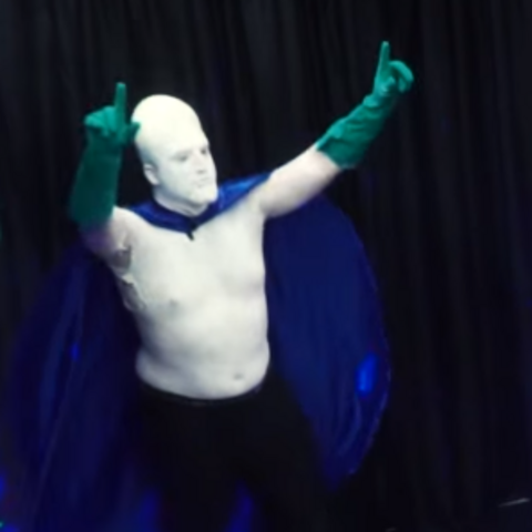 Glue Man entering the arena during the Jerma Rumble- Live Action