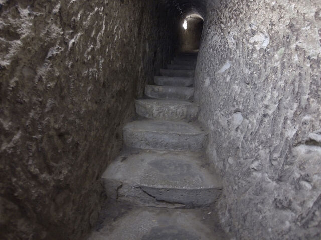 File:Derinkuyu-underground-city-.jpg