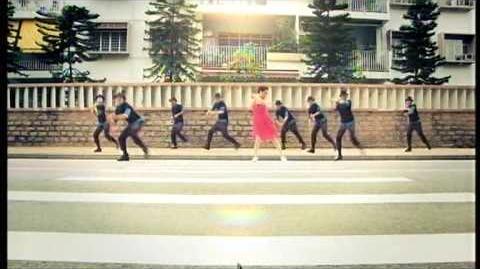 百老匯 8 (2009) - 容祖兒 (這就是愛嗎)