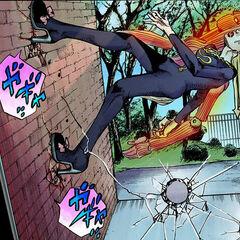 Хато забирается по стене с помощью способности Walking Heart