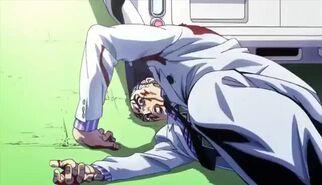 Kira a punto de ser atropellado por una ambulancia y perder la vida
