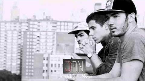Jonas Brothers NEW SONG SNIPPET 2012 Live Chat