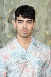 Joe Jonas-0