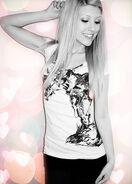 Amber V -foxes-