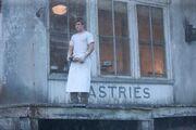 479px-Peeta the boy with the bread